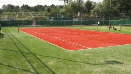 Комфортная игра в теннис от клуба «Tennis Stars»